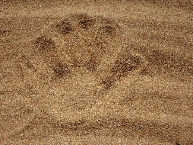 sand-138879_640
