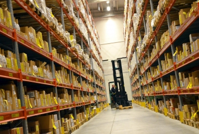 logistics-748152_1920-400x270-MM-100